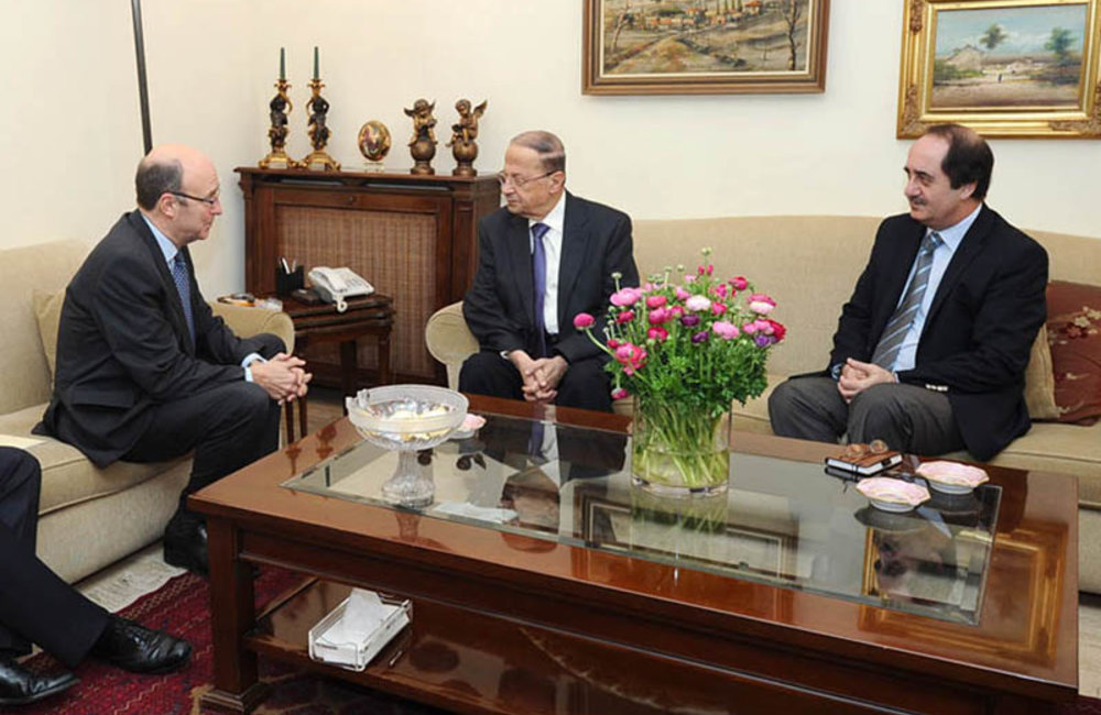 SCL Derek Plumbly with MP Michl Aoun and Michel de Chadarevian (22 02 12) - Photo MP Aoun's Press Office