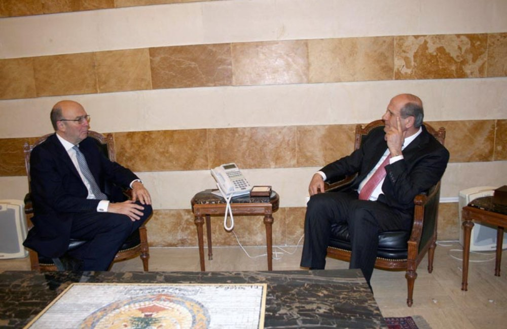 SCL Plumbly meets caretaker Minister of Interior Marwan Charbel (08 04 13) - Photo DalatiandNohra