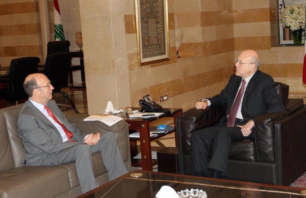 SCL Plumbly meets caretaker Premier Najib Mikati (26 03 13) - Photo DalatiandNohra