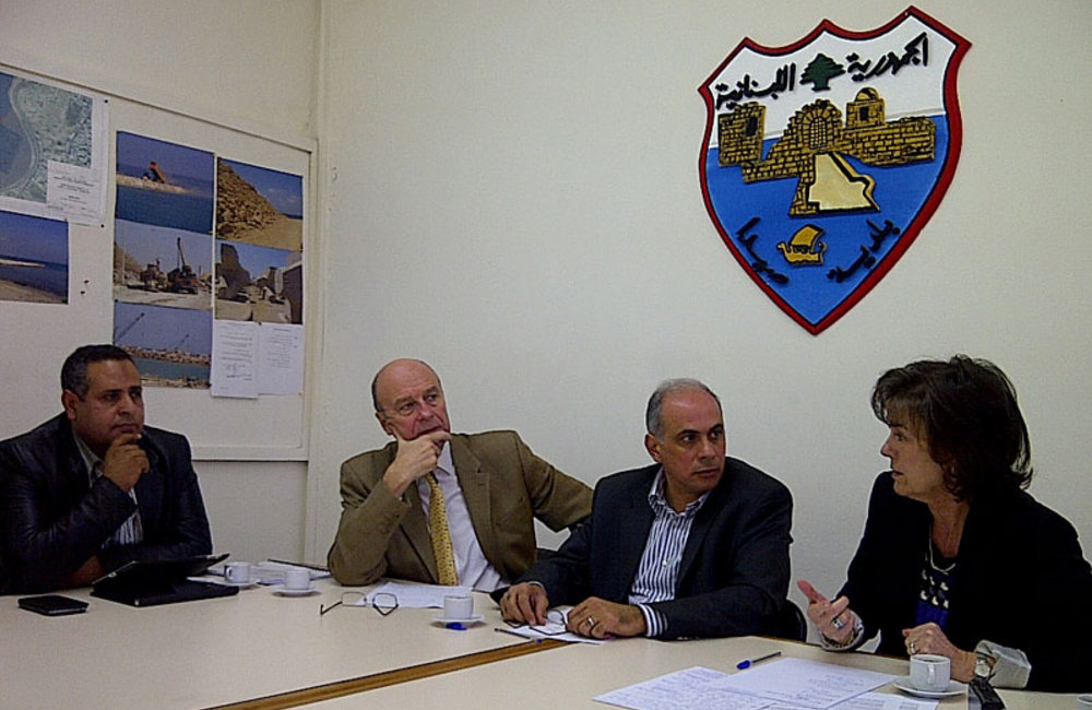 SCL Plumbly and UNHCR meet with local authorities in Sidon to discuss needs of Syrian refugees and local communities (09 04 13)