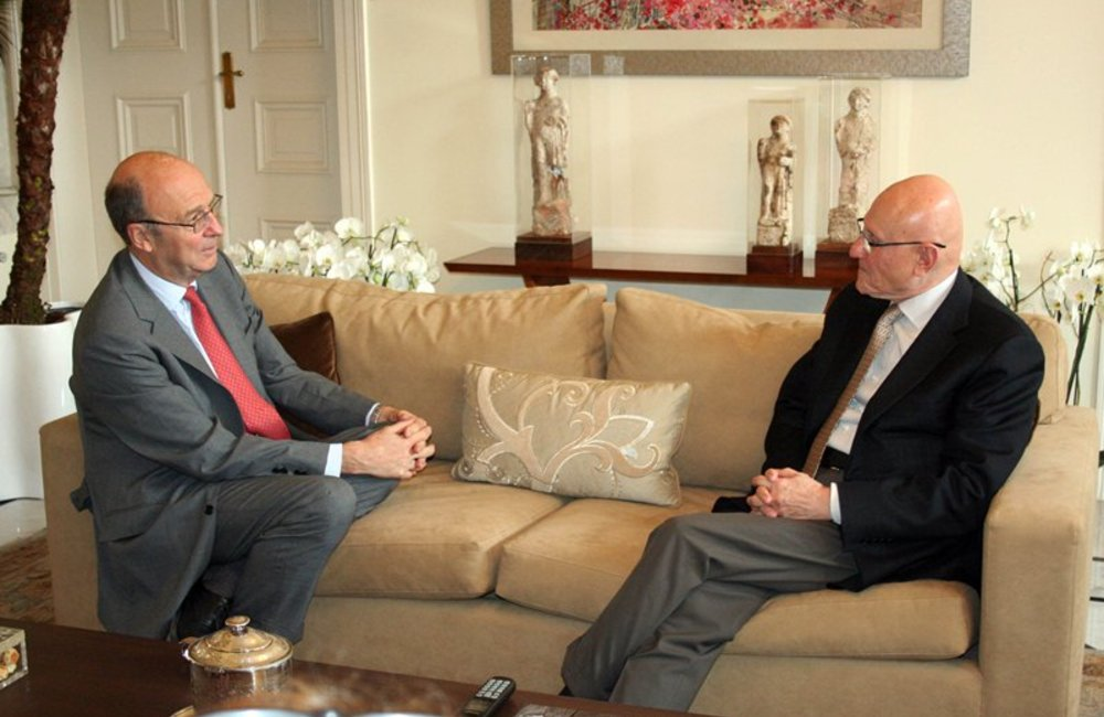 SCL Dereck Plumbly meets with Pr minister designate Tammam Salam (17 05 13) - dalaty and Nohra