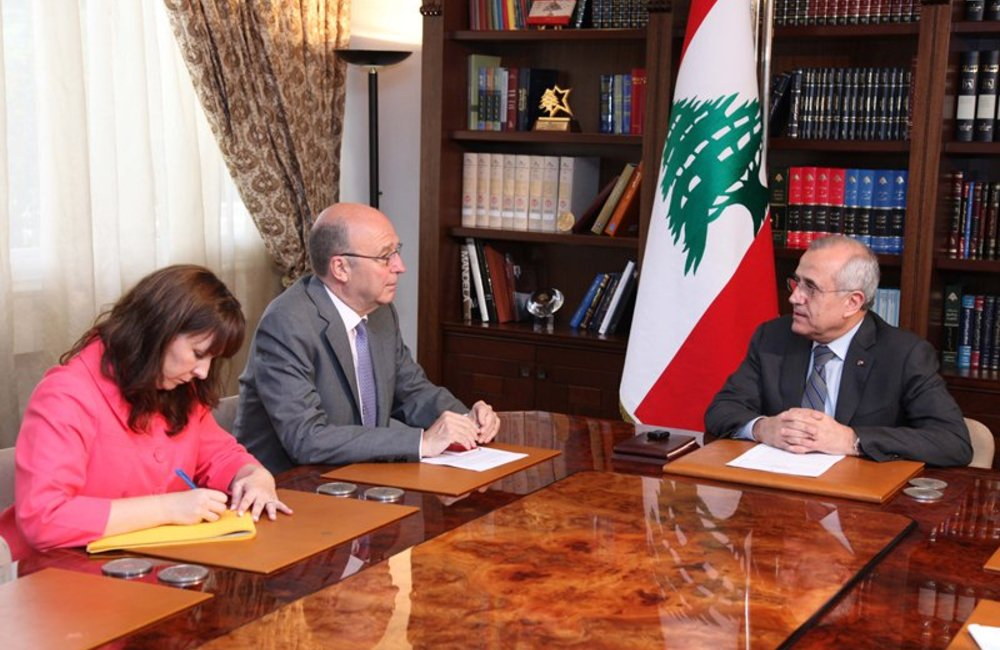 SCL Derek Plumbly meets Lebanese President Michel Sleiman at Baabda Palace (07 03 13) Photo-Dalati&Nohra
