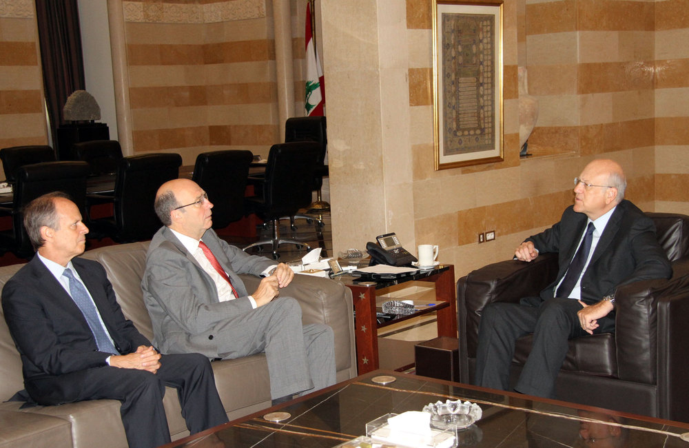 SCL Derek Plumbly & Robert watkins meet Caretaker Najib Mikati ( 26 08 2013) - Photo Dalati&Nohra