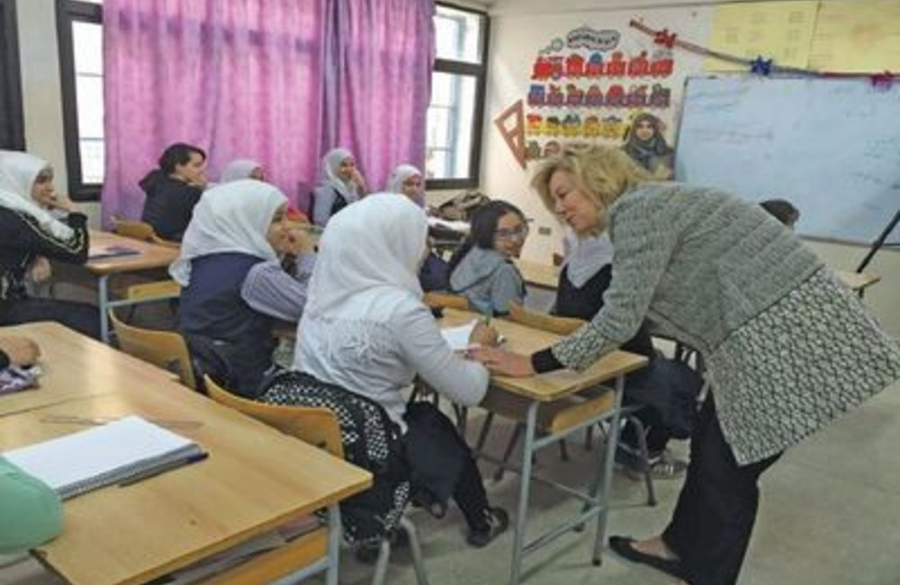 U.N. Special Coordinator Sigrid Kaag with students of  Palestinian camp of Ein El-Hilweh(31 03 15)