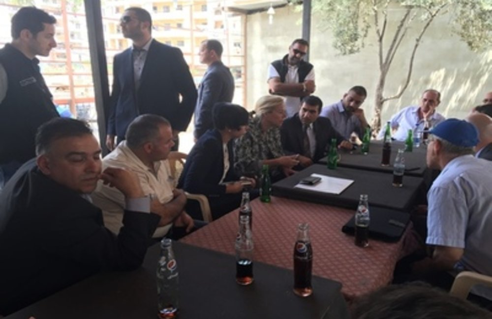 UN Special Coordinator for Lebanon Sigrid Kaag meets civil society representatives in Jabalmohsen, Tripoli (12 05 2015)