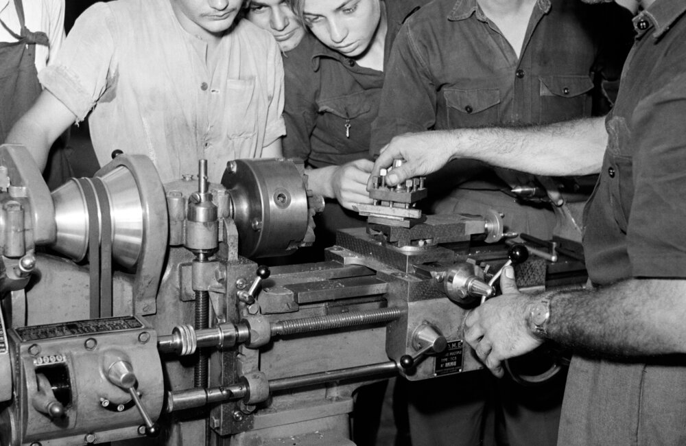 Palestinian refugees receive technical training from UNRWA and other institutions in Lebanon (1951)