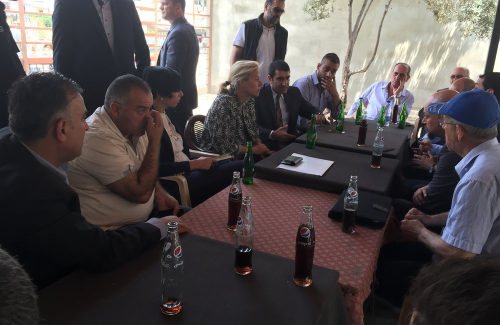 SCL Kaag visits Jabal Mohsen Cafe in Tripoli (12 05 15)