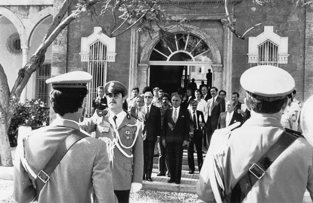 Secretary-General Javier Perez de Cuellar departing from Lebanon after conferring with Prime Minister Rachid Karami of Lebanon (9 June 1984)