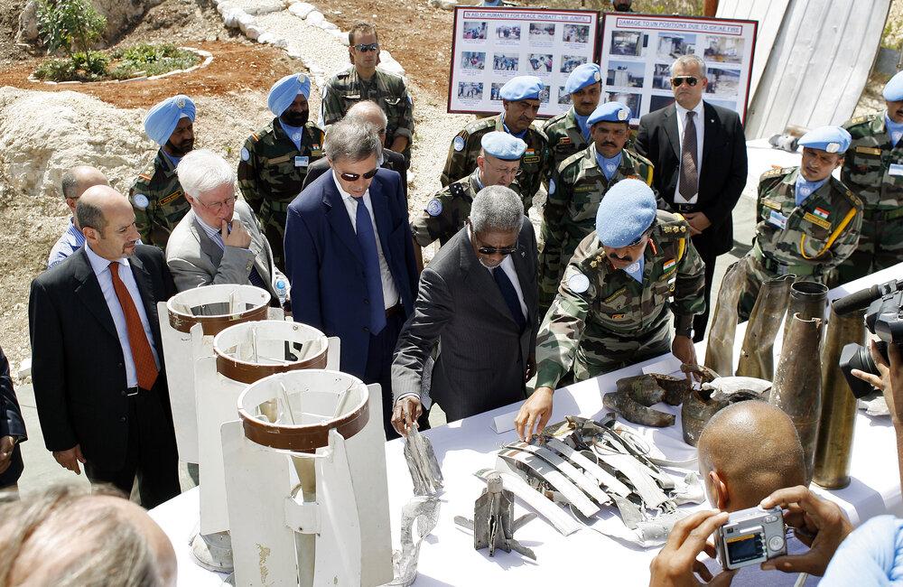 Secretary-General Kofi Annan visits South Lebanon after July 2006 War (August 2006)
